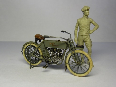 CIXM.003 HARLEY DAVIDSON 5D 1909 1:35 – cixmodels
