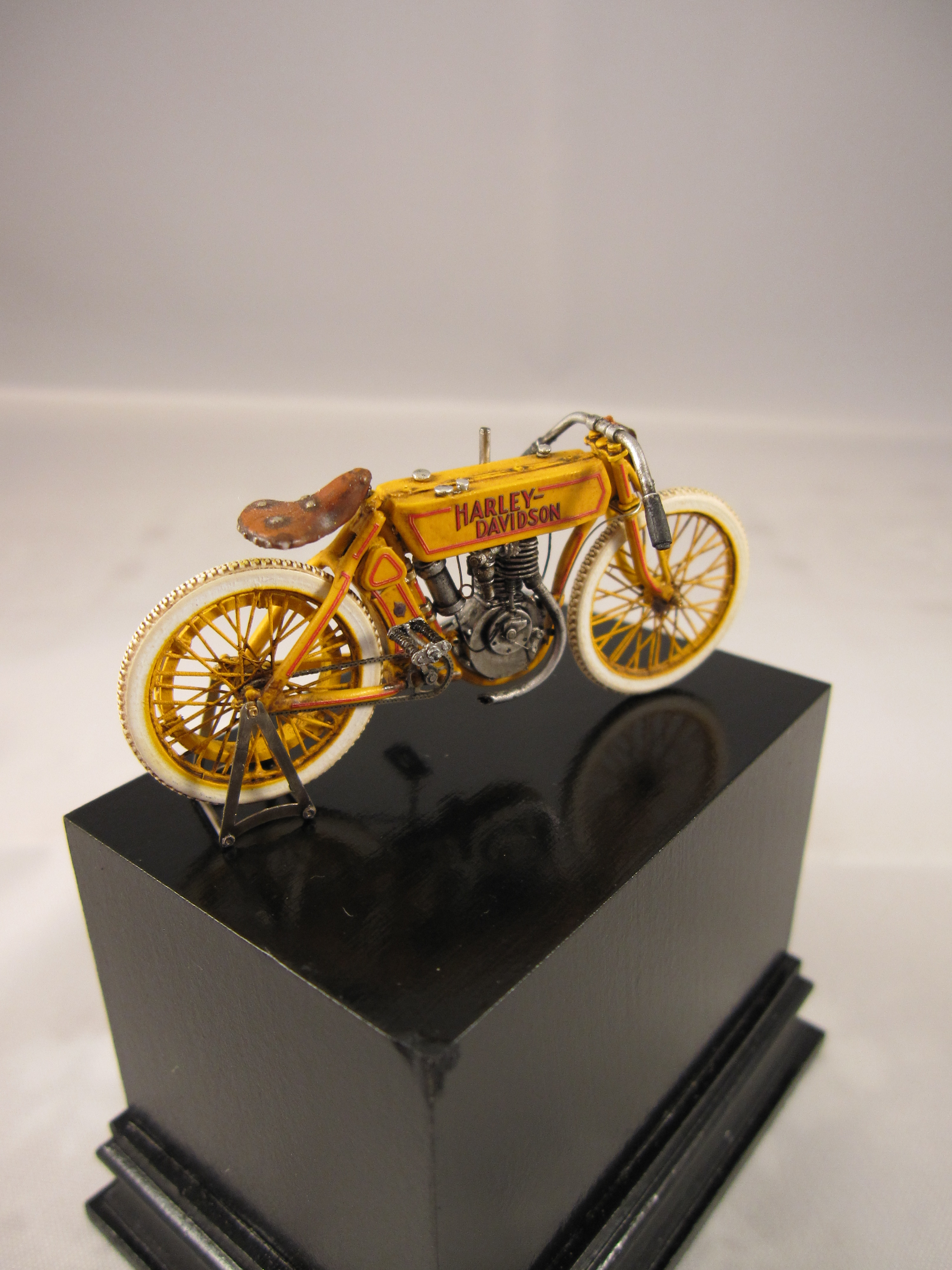 CIXM.007 HARLEY MOD.6 1910 BOARD TRACK RACER 1:35 – cixmodels