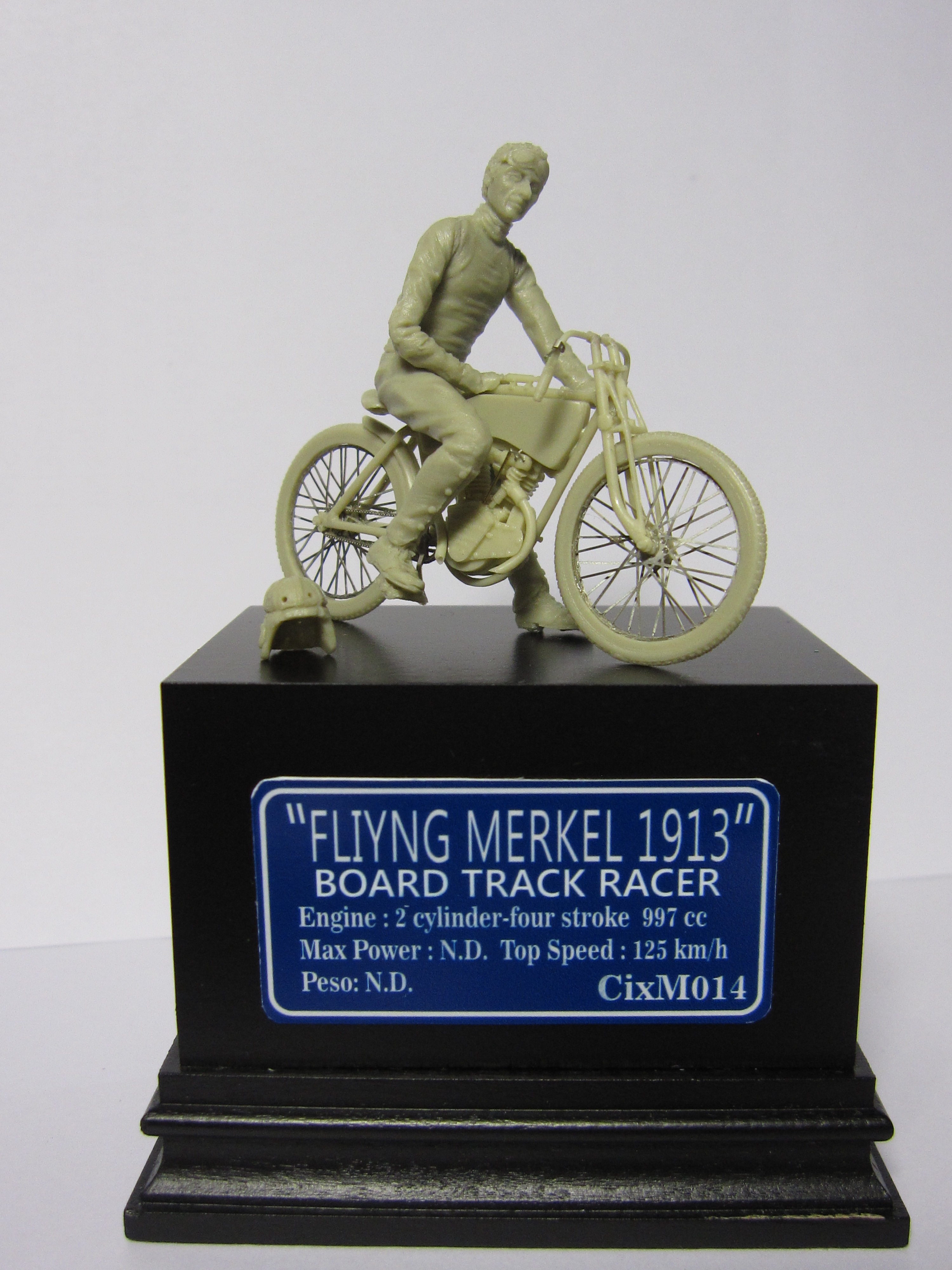 CixM014 FLYING MERKEL RACER 1913 WITH PILOT 1:35 – cixmodels