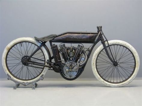 Indian-1915-boardtrackracer-1